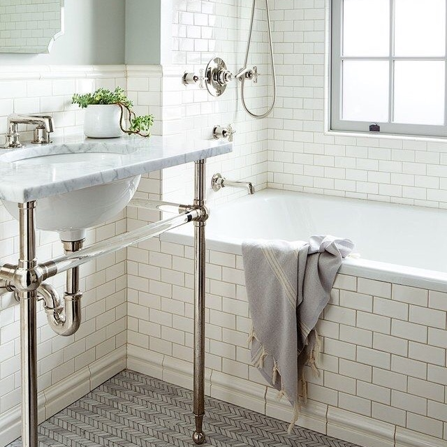 How to make a small bathroom look bigger ashley 39 s edit - How to make a small bathroom look larger ...